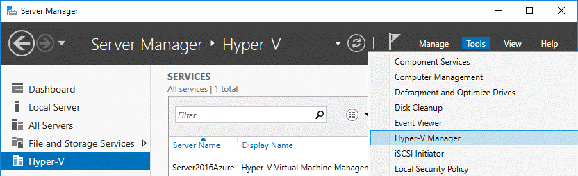 Hyper-V Manager is displayed in the Server Manager window